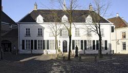 gemeentehuis ravenstein